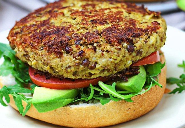 Guia gratuito oferece passo a passo  para quem quer se tornar vegetariano  sem abrir mão da saúde e do sabor
