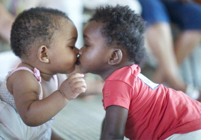 ONG procura por doadores de cafuné, amor e carinho para crianças que esperam adoção