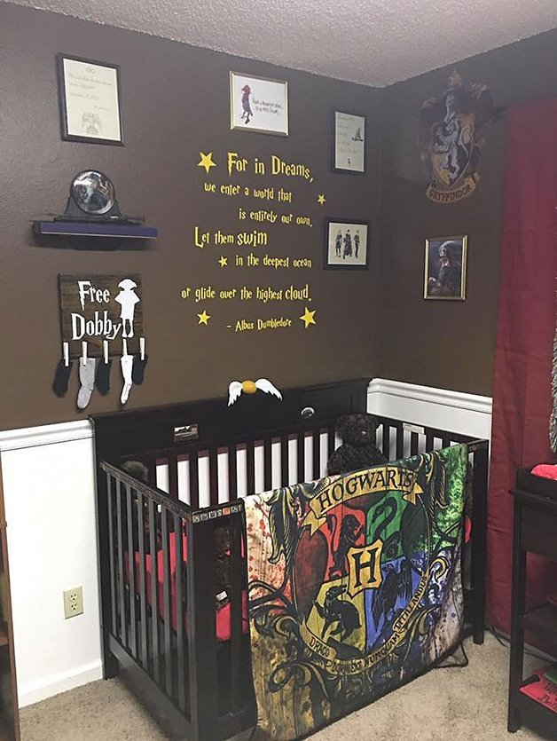 harry-potter-themed-baby-nursery-201
