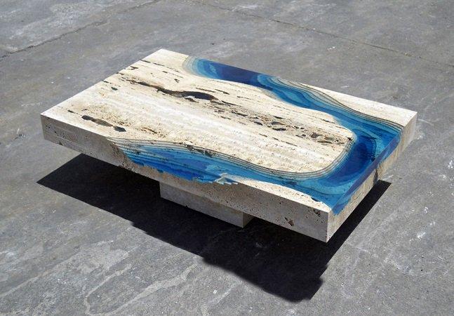 Essas incríveis mesas-lagos te  ajudam a levar um toque de  natureza para dentro de casa