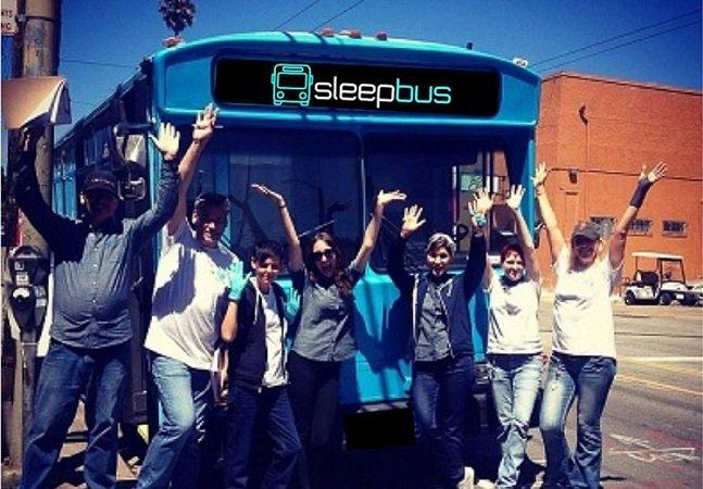 Crowdfunding está ajudado a  transformar ônibus antigos em  moradia para pessoas sem-teto