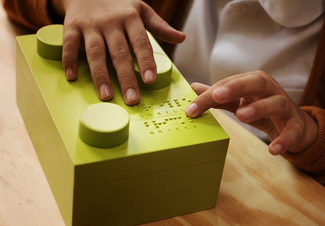 Projeto cria blocos de montar em braille para ajudar na alfabetização de crianças cegas