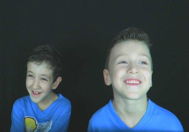 Esse garotinho criou um  vídeo para explicar como seu irmão autista vê o mundo