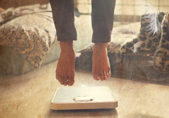 Menina de 14 anos se recusa a medir seu IMC na escola e dá aula de aceitação do corpo
