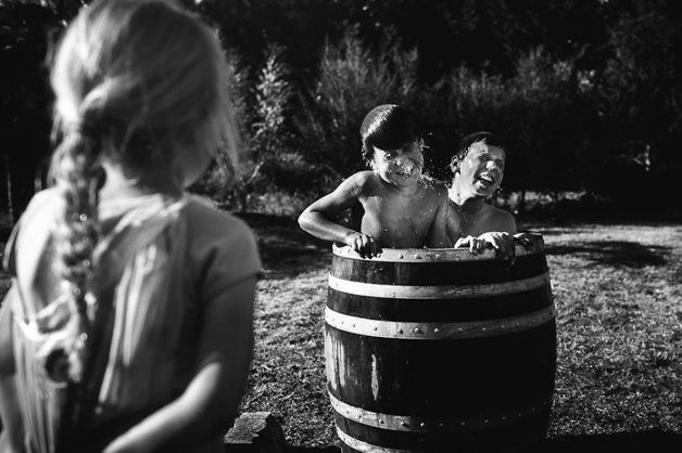 raw-childhood-without-electronic-devices-niki-boon-new-zealand-1