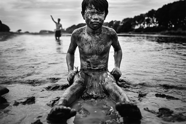 raw-childhood-without-electronic-devices-niki-boon-new-zealand-17