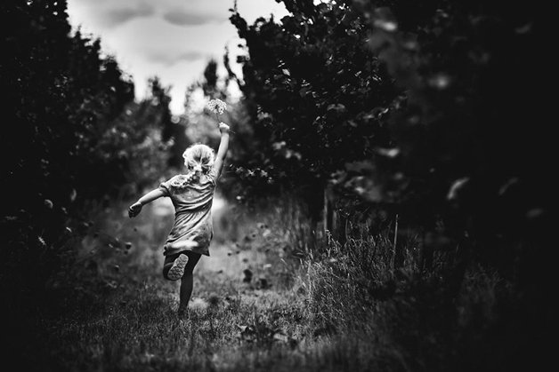 raw-childhood-without-electronic-devices-niki-boon-new-zealand-41
