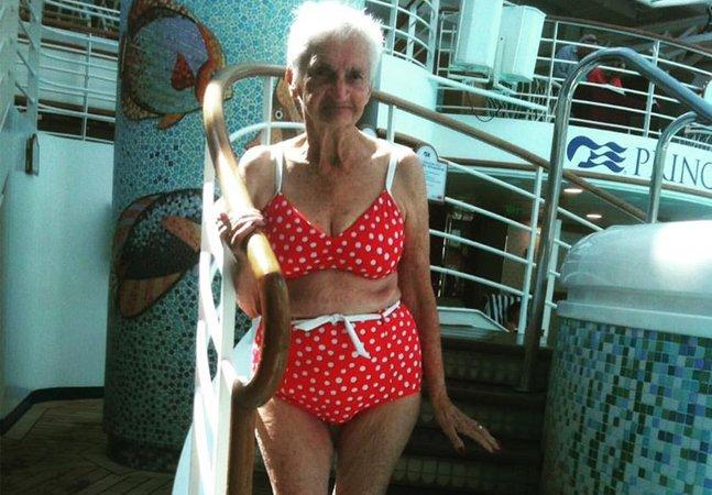 Esta mulher de 90 anos e 10 filhos está mostrando que não existe idade (ou corpo) para se usar biquíni