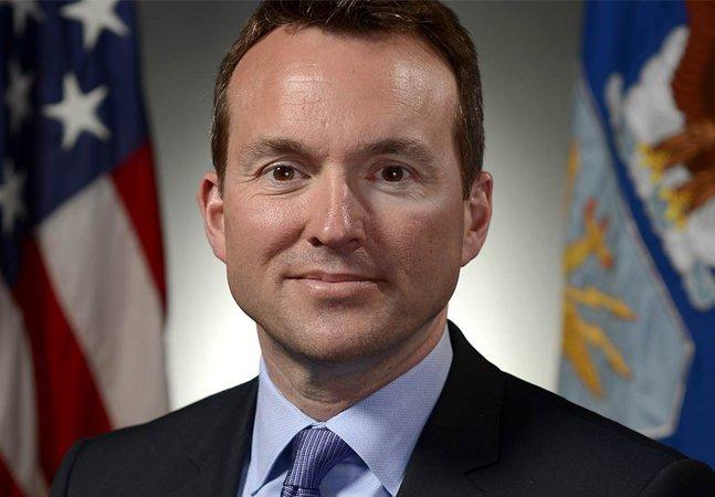 Pela primeira vez um homossexual assumido passa a chefiar o exército americano