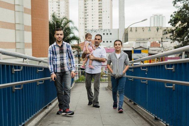 Hanan, seu pai e seus irmão em São Paulo