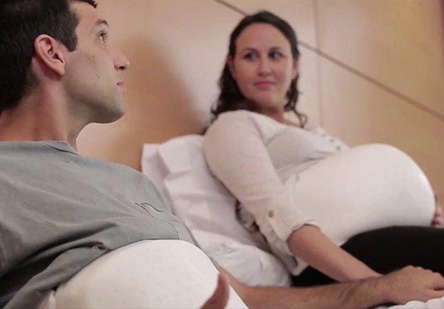 Este cinto inovador permitiu que pais sentissem chutes dos bebês nas barrigas das mães