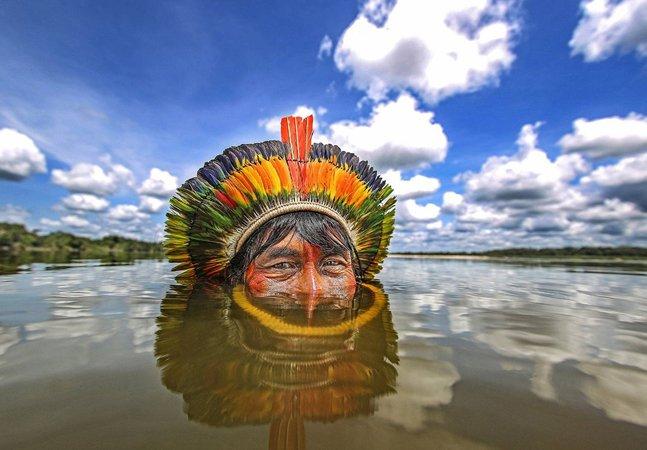 Imagem de índio no Rio Xingu  rende prêmio internacional  a fotógrafo brasileiro
