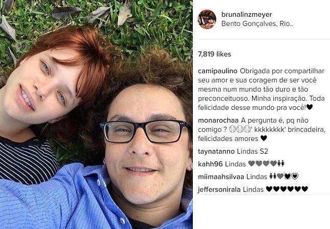 """""""O que a falta de piroca não faz"""": atriz  sofre ataques lesbofóbicos após notícia  de que estaria namorando outra mulher"""