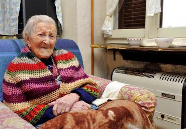 Ovos, bacon e carne crua: conheça a dieta da mulher mais velha do mundo