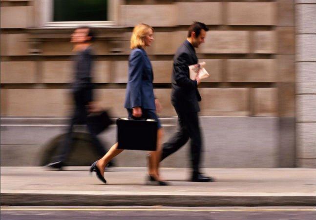 Pesquisa em Harvard revela que não  são os filhos que atrapalham a carreira  das mulheres, mas os maridos