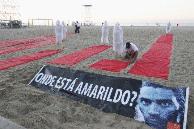 A ONG Rio de Paz faz protesto contra casos não esclarecidos de desaparecimento no Rio de Janeiro