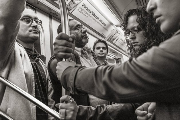 2_people-travelling-subway-systems-across-the-world