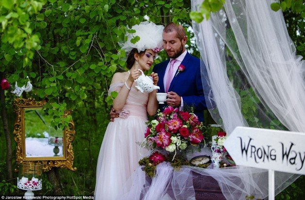 35361D1900000578-3638742-Natalia_said_We_wanted_a_whimsical_feel_at_our_Mad_Hatter_s_Tea_-m-156_1465813027118
