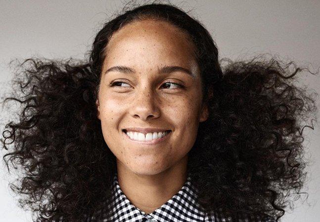 Alicia Keys explica porque decidiu  não usar maquiagens nunca mais