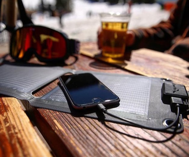 EnerPlex-Kickr-IV-USB-Solar-Panel-01