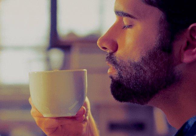 Café na Suiça causa polêmica ao  oferecer sexo oral aos clientes  enquanto saboreiam suas bebidas