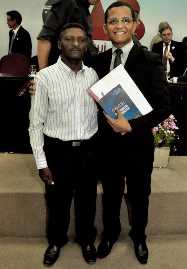 Ismael e seu pai, após a cerimônia