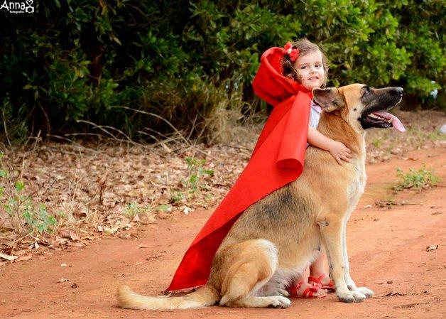 ...e por ventura o Lobo se tornou fiel, pois sabia que jamais encontraria outro amor assim.