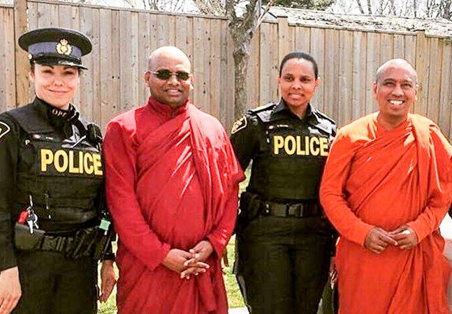 Recrutas da polícia de Toronto agora passam por um 'treinamento budista'