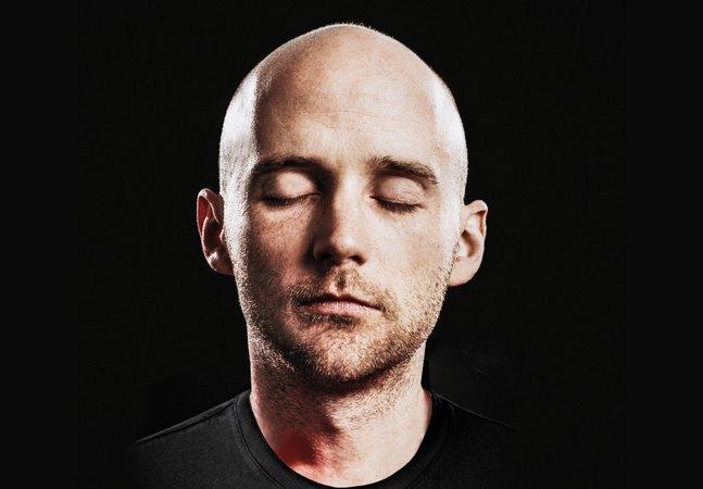 Moby inova e lança álbum de  yoga e meditação com download  gratuito e quatro horas de duração