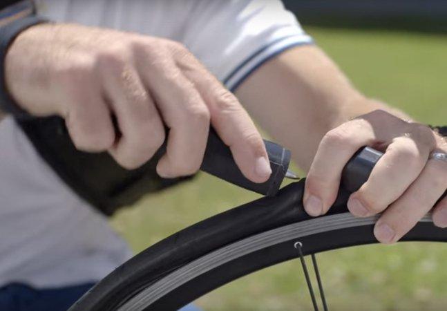 Esta ferramenta conserta o pneu  furado da sua bike em 60 segundos