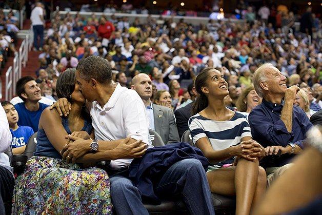 barack-obama-photographer-pete-souza-white-house-96-5763e42ca2c47__880