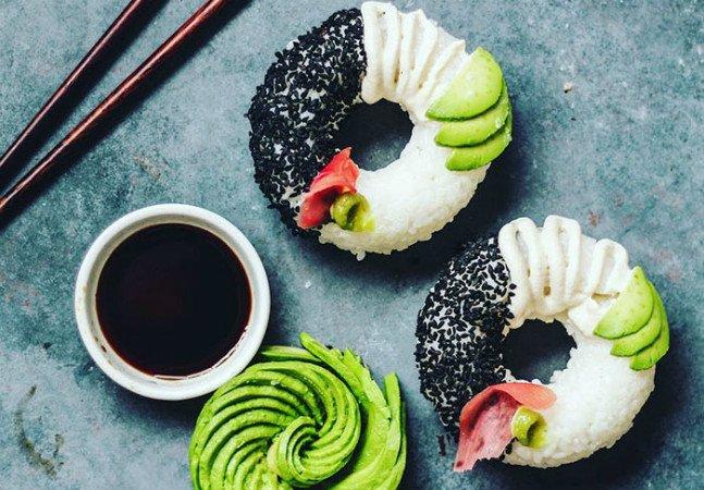 Depois dos sushi-burguers, a nova tendência são os donuts de sushi
