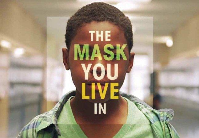 Documentário poderoso mostra o que acontece quando meninos são obrigados a usar 'a máscara do macho'