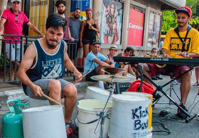 Com uma bateria feita de baldes, grupo leva jazz contemporâneo às madrugadas paulistanas