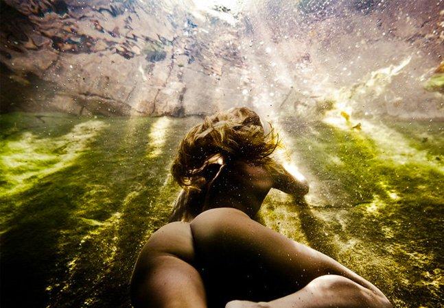 As sensuais fotografias  subaquáticas de Neil Craver