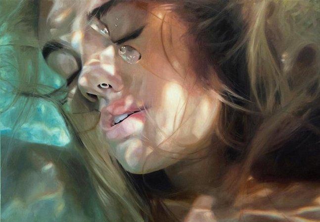 Desenhos ou fotografias? Artista cria pinturas hiperrealistas de mulheres debaixo d'água