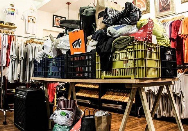 Esta loja sofreu um  arrombamento e resolveu a situação  com amor e criatividade
