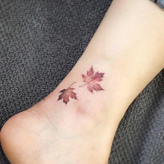 tiny-foot-tattoo-ideas-104-57517db60709f__605