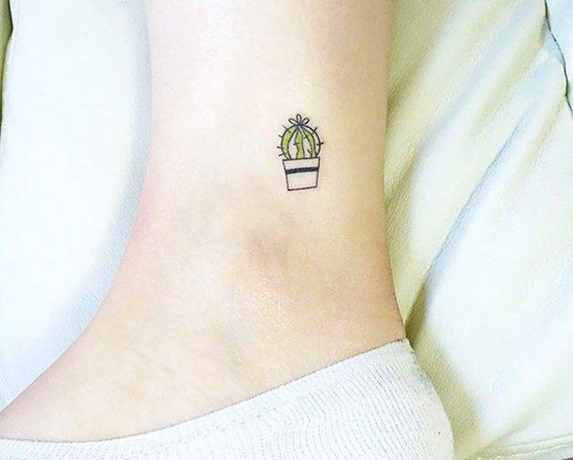tiny-foot-tattoo-ideas-14-5750158d47b15__605