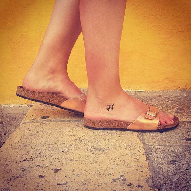 tiny-foot-tattoo-ideas-39-57502dd397b73__605