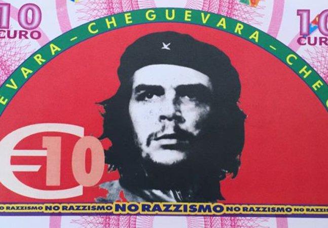 Refugiados estão recebendo cédulas  com o rosto de Marx e Guevara  por um bom motivo na Itália