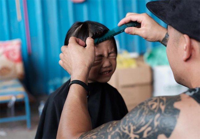 O famoso hairstylist de Marc Jacobs está usando seus dias livres pra oferecer cortes pra moradores de rua