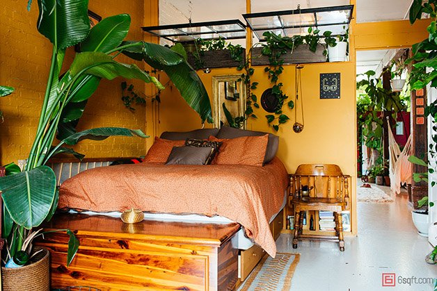 Summer-Rayne-Oakes-Plant-Filled-Apartment-in-Williamsburg-Brooklyn-bedroomv2