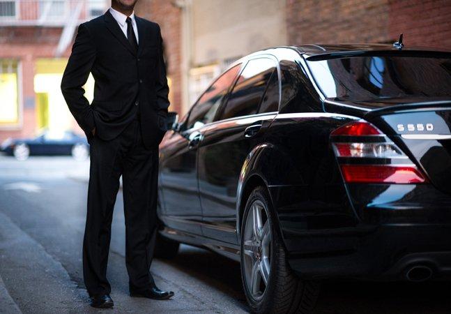 Taxista persegue carro oficial da PM  pensando se tratar de um Uber e acaba detido em BH