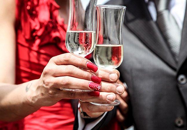 Pesquisa indica: casais que bebem juntos possuem relacionamentos mais felizes