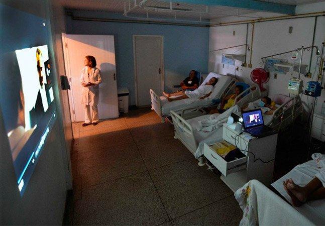 Projeto aposta em cinema no hospital para melhorar a vida de pacientes com câncer