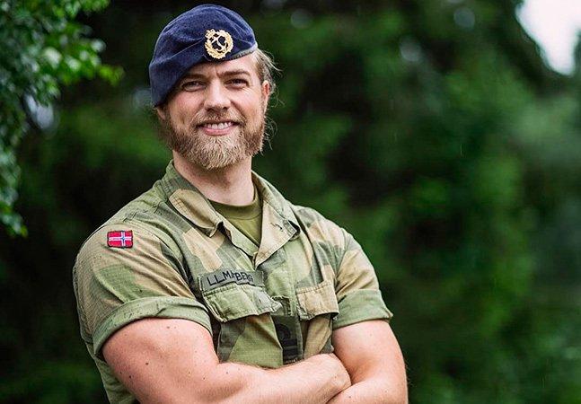 Conheça o tenente da marinha norueguesa que conquistou as redes sociais