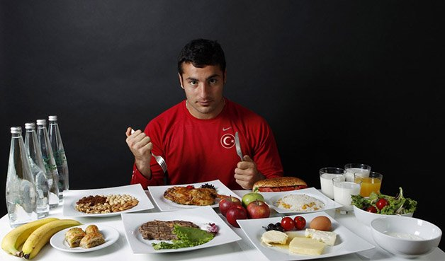 fatih-avan-is-a-javelin-thrower-he-was-eating-lots-of-protein-and-a-total-of-3500-calories-a-day-to-meet-his-olympic-goals