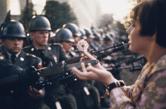 hippie-history-flower-gun
