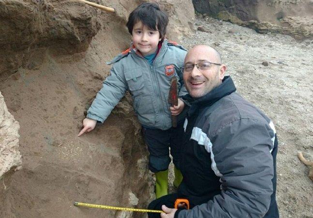 Menino de 4 anos encontra fósseis de mais de 500 mil anos na Argentina
